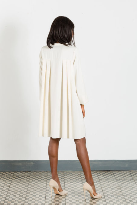 Asimmetrical Shirt Back Pleats